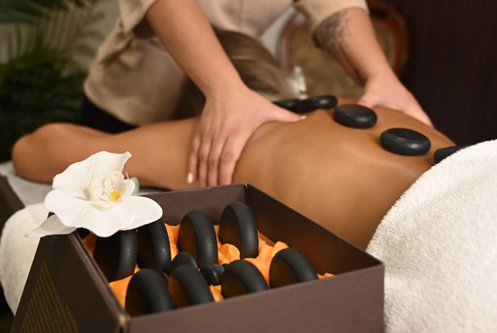 Hot Stone Massage - photo 1